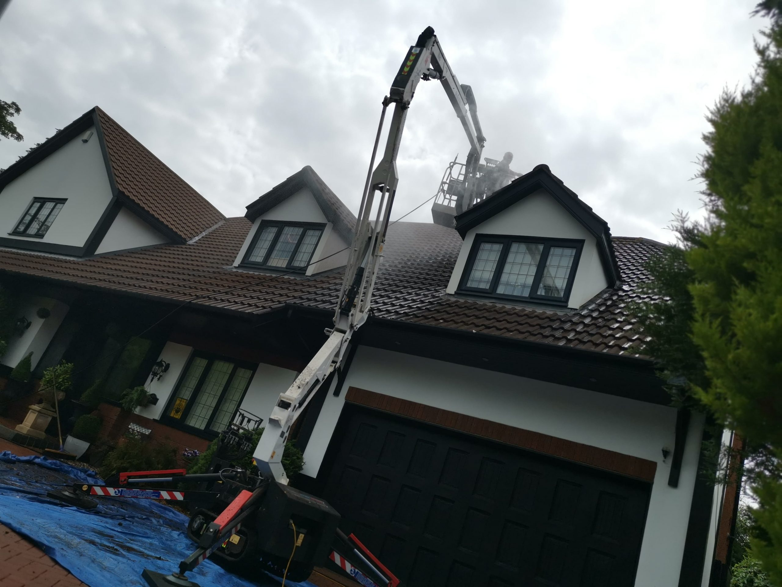 Roof during cleaning Warrington St helens liverpool Wigan Manchester Bolton